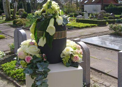 Wellborg-Bestattungen URNENGESTECK 1020066
